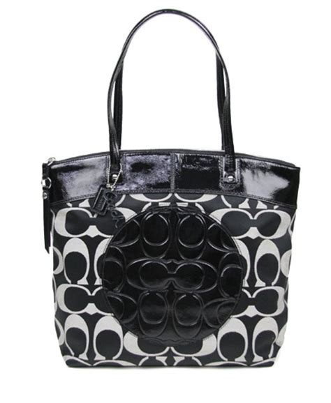 coach   tags laura signature black white tote bag