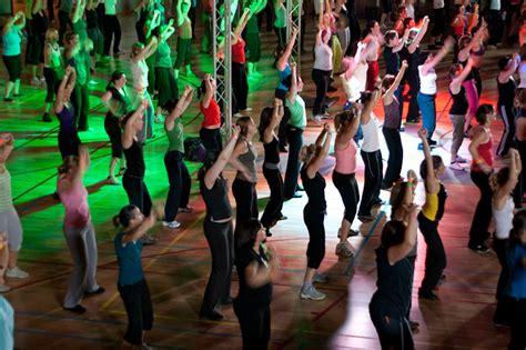 zumba class dance flickr exercising fitness classes activities exercise martin church upbeat forget butt crowd chris re leuven popular app