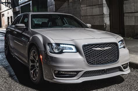 Chrysler Car : 2018 Chrysler 300 First Drive Review