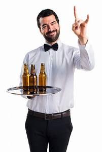 Tablett Mit Foto : kellner mit bierflaschen auf dem tablett mit horngeste download der kostenlosen fotos ~ Orissabook.com Haus und Dekorationen