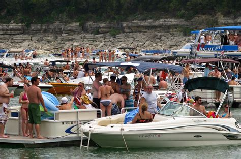 Boat Rental On Lake Travis Austin Tx by Lake Travis Yacht Rentals Laketravis
