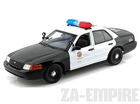 1 18 police car with 1 18 2001 ford crown victoria police car los angeles