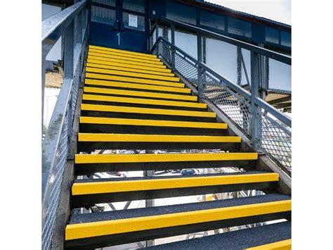 rev 234 tement antid 233 rapant escalier nez de marche