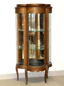 verni martin curved glass curio cabinet lot 611