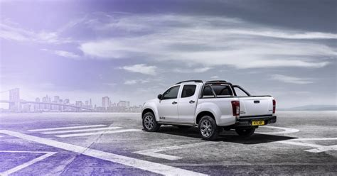 Isuzu Backgrounds by 2015 Isuzu D Max Blade Is The New Flagship Of The Range