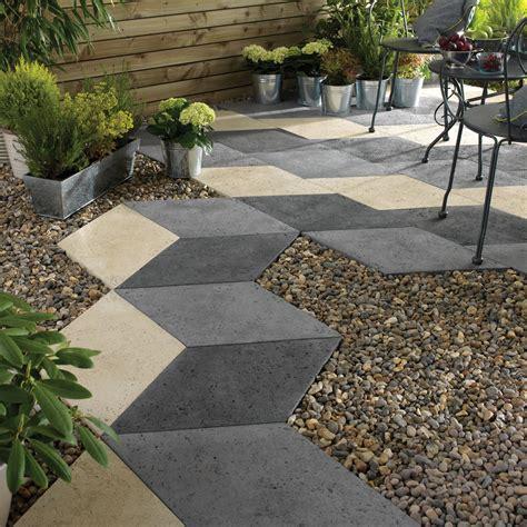 mixed colour diamond offset paving slab  wmm