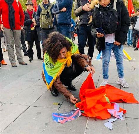 Le drapeau marocain brûlé sur la place publique à Paris ...
