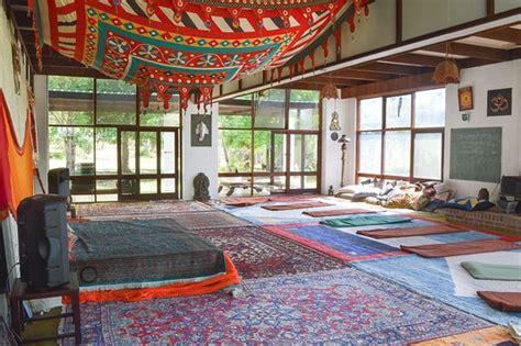 Swami's Yoga Retreat (kenthurst)  отзывы, фото и. Reefside Villas. Changshu World Trade International Hotel. Xiyuan Hotel. Park Avenue Hotel. On The Beach Holiday Apartments. Tajibos Hotel. Tikida Dunas Hotel. Herrislea House Hotel