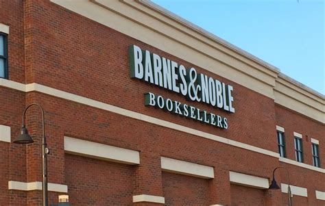 barnes and noble jacksonville fl barnes noble booksellers 132 photos 32 reviews