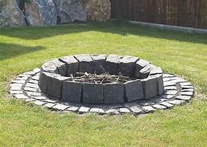 Feuerstelle Aus Stein : bildergebnis f r offene feuerstelle im garten garten ~ Michelbontemps.com Haus und Dekorationen