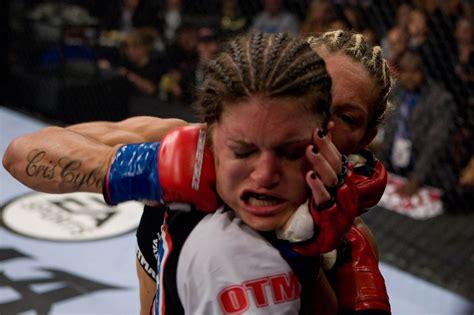 Cris Cyborg Announces Drop To 135, Tells Ufc's Ronda