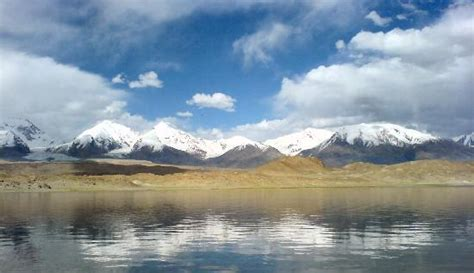 Kongur Tagh Near Karakul Lake