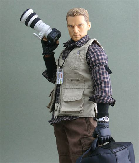 war journalist   scale action figure   conflict