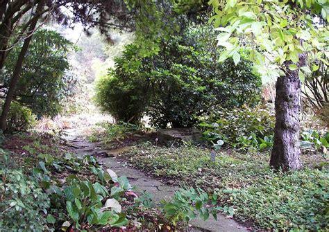 Botanischer Garten Witten by Gartenpfad Mit Steinplatten Im Botanischen Garten Der Ruhr