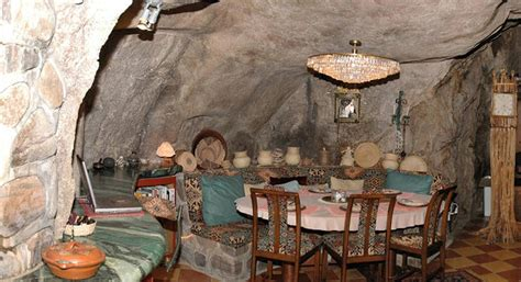 Cavernous Cool Interior by Chulo Cave House 171 Inhabitat Green Design