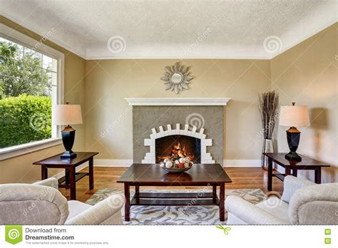Welche Wandfarbe Passt Zu Dunkelbraunen Möbeln by Wohnzimmer Mit Dunkelbraunen Mobeln