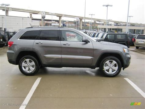 Mineral Gray Metallic 2011 Jeep Grand Cherokee Laredo X