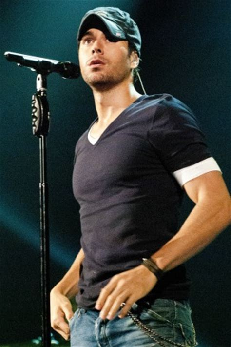 "Enrique Iglesias shares way TMI ""from the waist down ..."