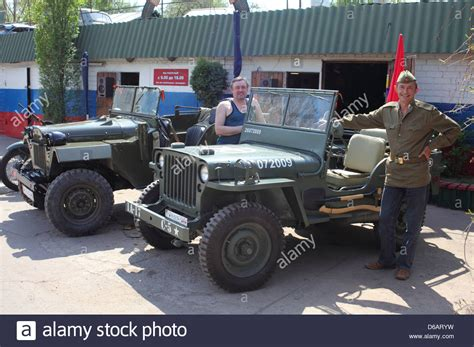 army jeep ww2 wwii us army willys jeep and soviet gaz jeep restored