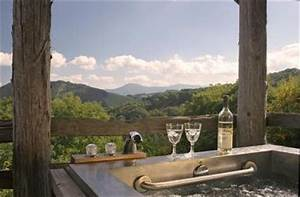 31 best romantic getaways in north carolina destinations for Honeymoon suites in north carolina