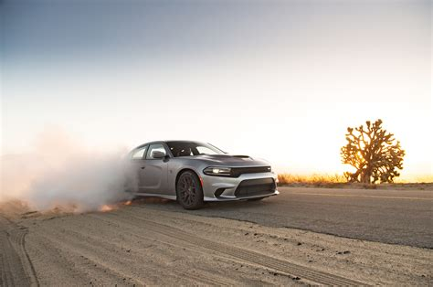 charger hellcat burnout 2015 dodge charger srt hellcat front three quarters