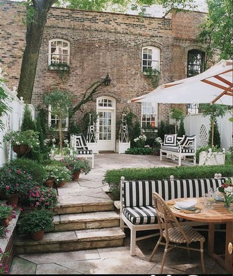 Wonderful Outdoor Entertaining Space  Content In A Cottage