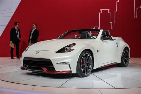 Nissan 370Z Nismo Roadster Concept Drops Its Top in Chicago