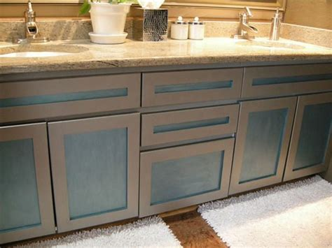 How To Update Old Bathroom Cabinets