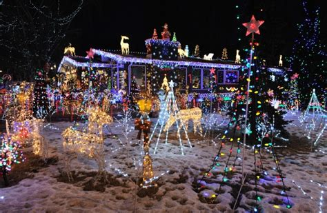no such thing as too many christmas lights says expert