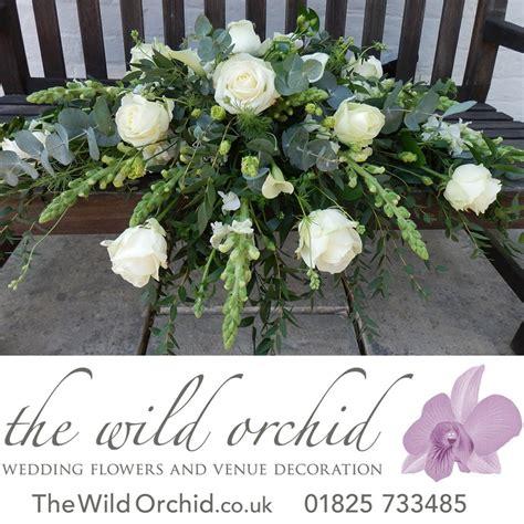 white flower table l 17 best images about top table arrangements on pinterest