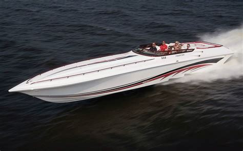 Speed Boat Vs Fishing Boat by 25 Best Ideas About Powerboats On