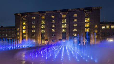 fountains  granary square kings cross