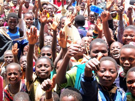 Kinder in Burundi/Afrika | Laura Schmidt-Niederhoff | Flickr