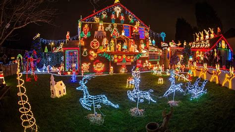 christmas lights tradition and history and clark griswold