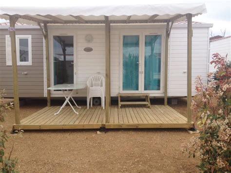 pergola pour mobil home toiture terrasse bois terrasses du soleil