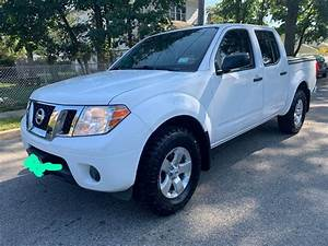 2012 Nissan Frontier 4 Door   Manual Transmission   Clean