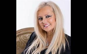 Romana - Cantora está irritada com a tia Ágata | Nova Gente