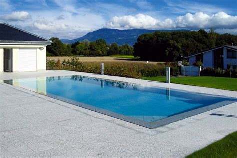 carrelage plage piscine gris carrelage ext 233 rieur piscine