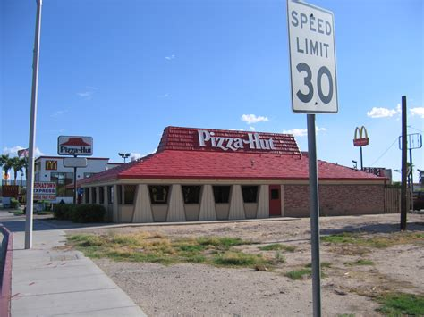 pizza cuisine az file pizza hut blythe california jpg wikimedia commons