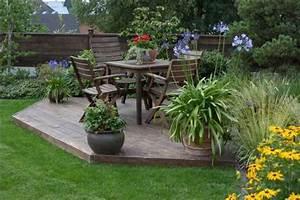 Garten Terrasse Holz Anlegen : gartengestaltung mit sichtschutz und terrasse garten ~ Sanjose-hotels-ca.com Haus und Dekorationen