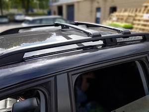 Dacia Sandero Stepway Lockable Black Cross Bars Roof Bars