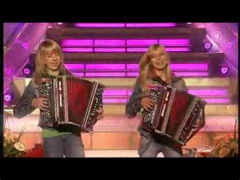 Die Twinnies  Peinlich (embarrassing) The New Summer Hit