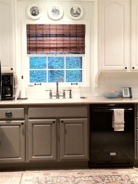 taupe kitchen cabinets best 25 taupe kitchen cabinets ideas on beige