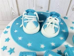 Kuchen Zur Taufe : tauftorte mit babysch hchen aus fondant ~ Frokenaadalensverden.com Haus und Dekorationen