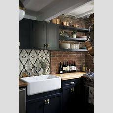 Schwarze Küche Weissaufsatzspueleholzarbeitsplatte