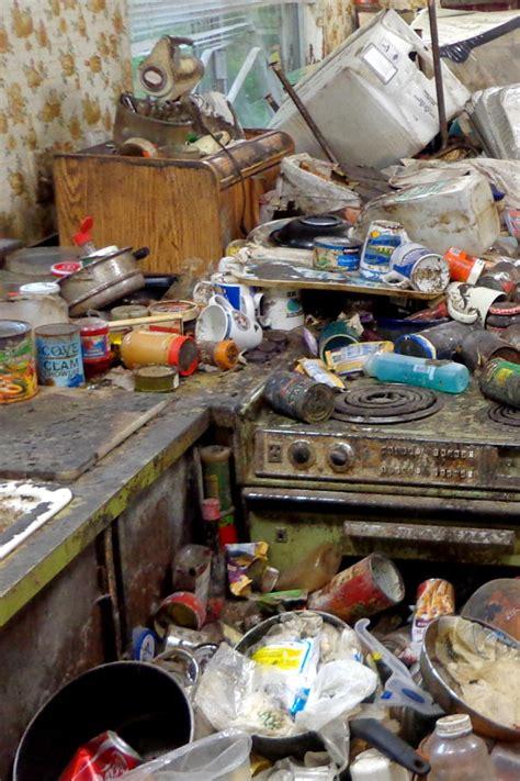 hoarding buried alive tlc