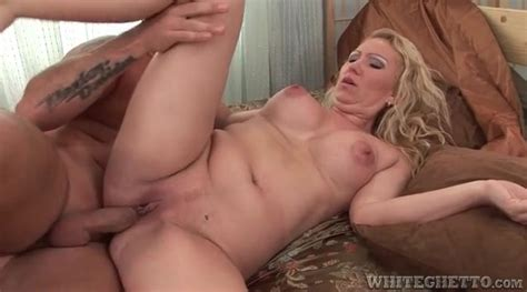 Creampie Cumshot Launched Into Shaved Milf Pussy Milf Porn