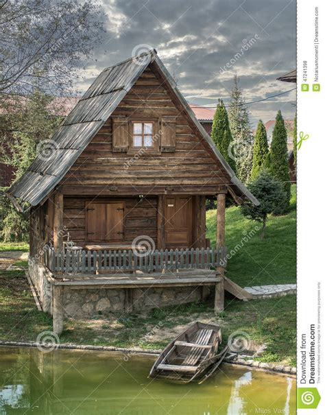 Small Wooden Cottage by Small Cottage Www Pixshark Images Galleries