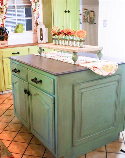 Dixie Belle Paint on Kitchen Cabinets looks AMAZING