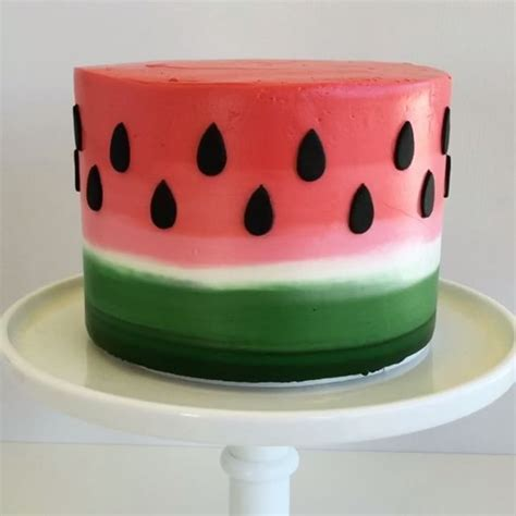 Ideas Decorating Your Cake by 25 Best Ideas About Decorating Cakes On